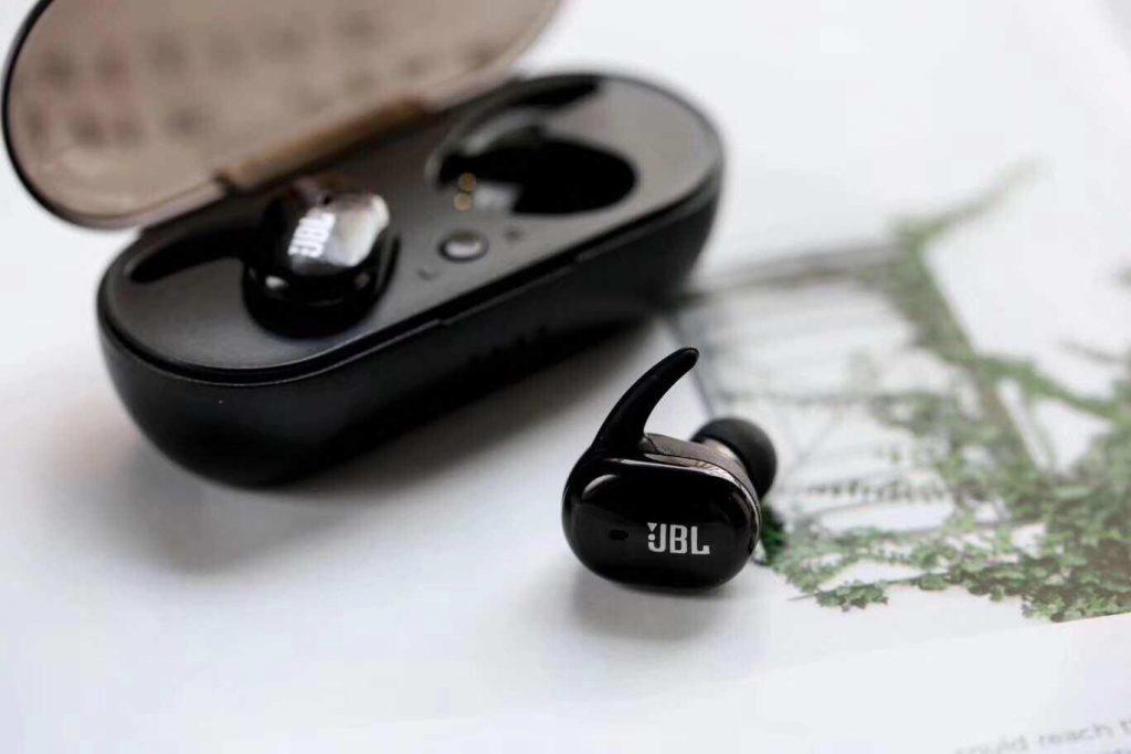 หูฟังไร้สาย เทคโนโลยีแห่งเสียงเพลง ฟังเพลงได้แพร่หลายมากยิ่งขึ้น