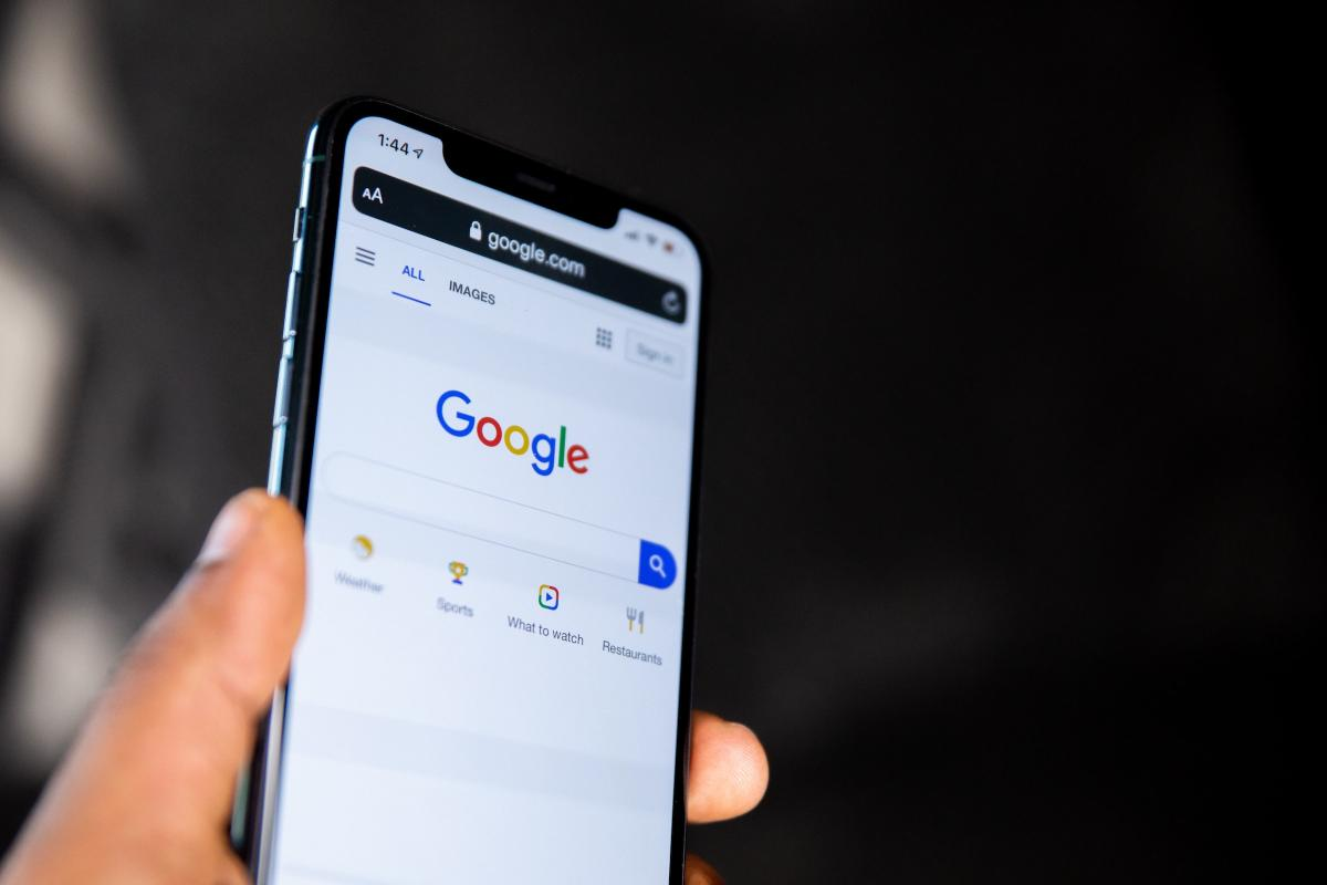 Google Search ใน iPhone ที่มีฟีเจอร์ลบประวัติการค้นหาแล้ว