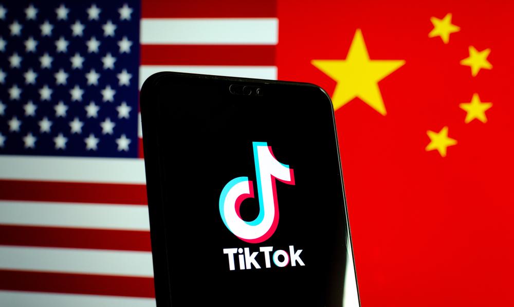 ยอดการดาวน์โหลดแอพพลิเคชั่น TikTok และ WeChat พุ่งทะยานก่อนที่ถูกแบน